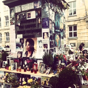 The touching MJ tribute that stands imposingly outside the Bayerischerhof. One die hard fan tends to the tribute every day to light new candles.
