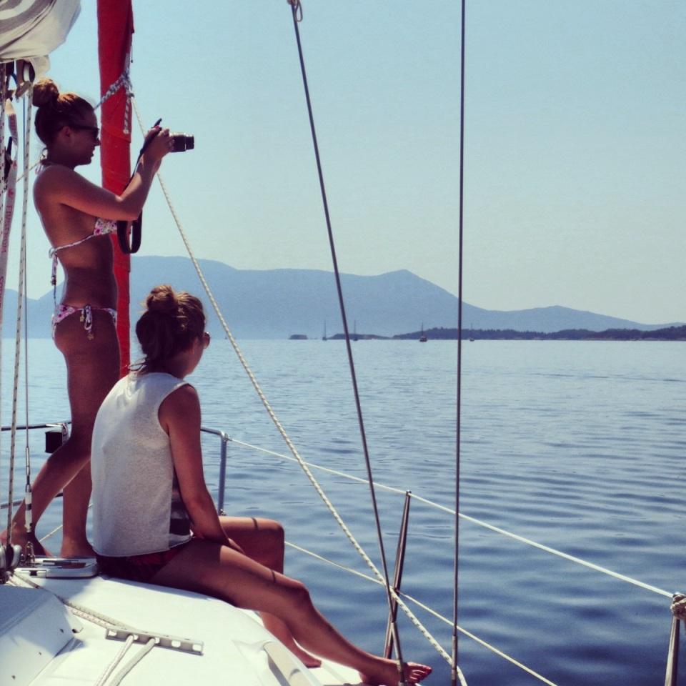 Travelista sailing Greece