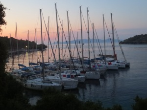 The whole flotilla of yachts together on our final night in Spartahori