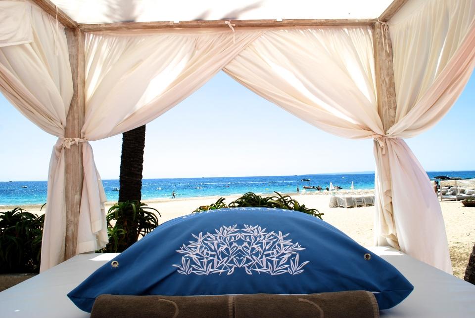 Ushuaia-Ibiza-beach-bed
