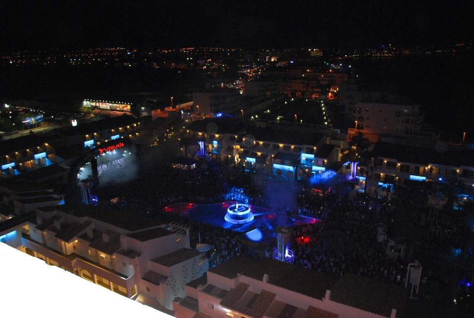 Ushuaia-Ibiza-sky-bar